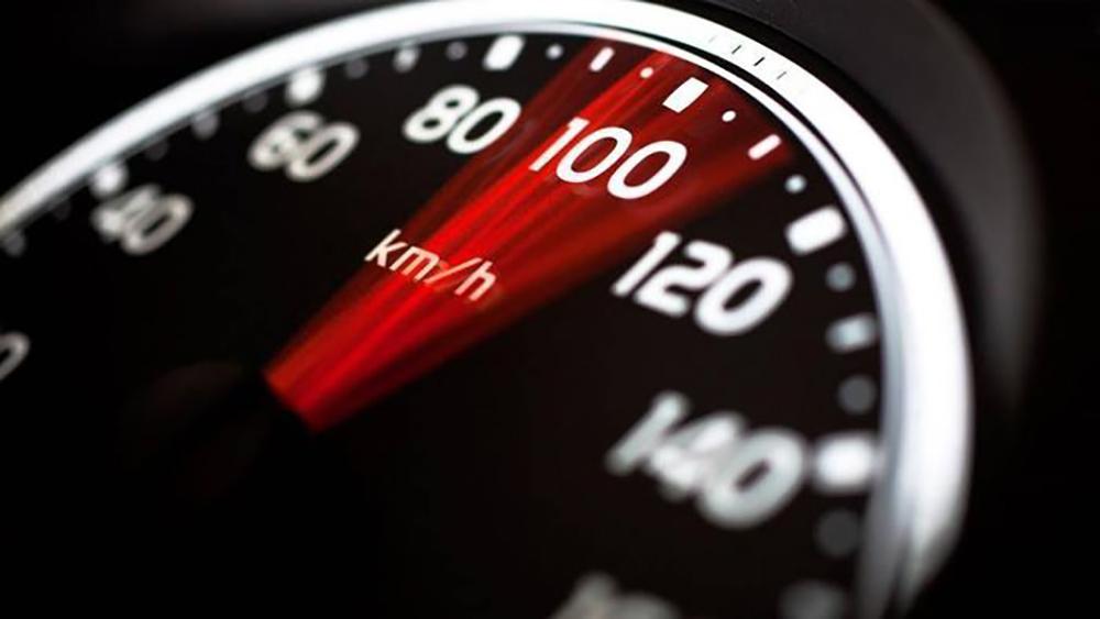 Chạy quá tốc độ bị phạt bao nhiêu tiền?