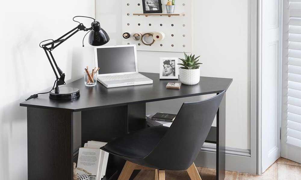 Màu sắc của bàn làm việc