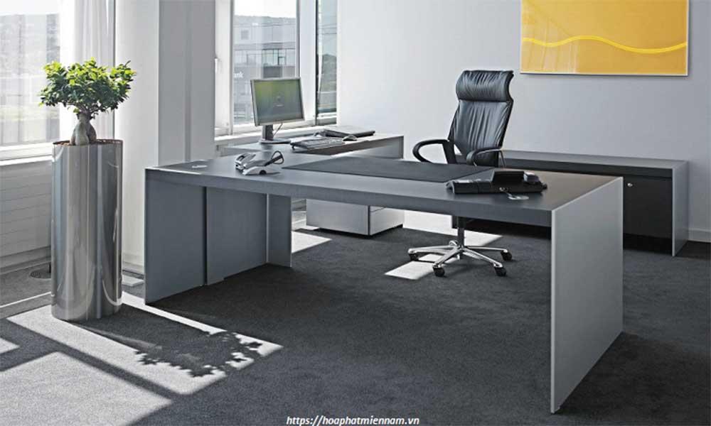 Vị trí và hướng đặt bàn làm việc
