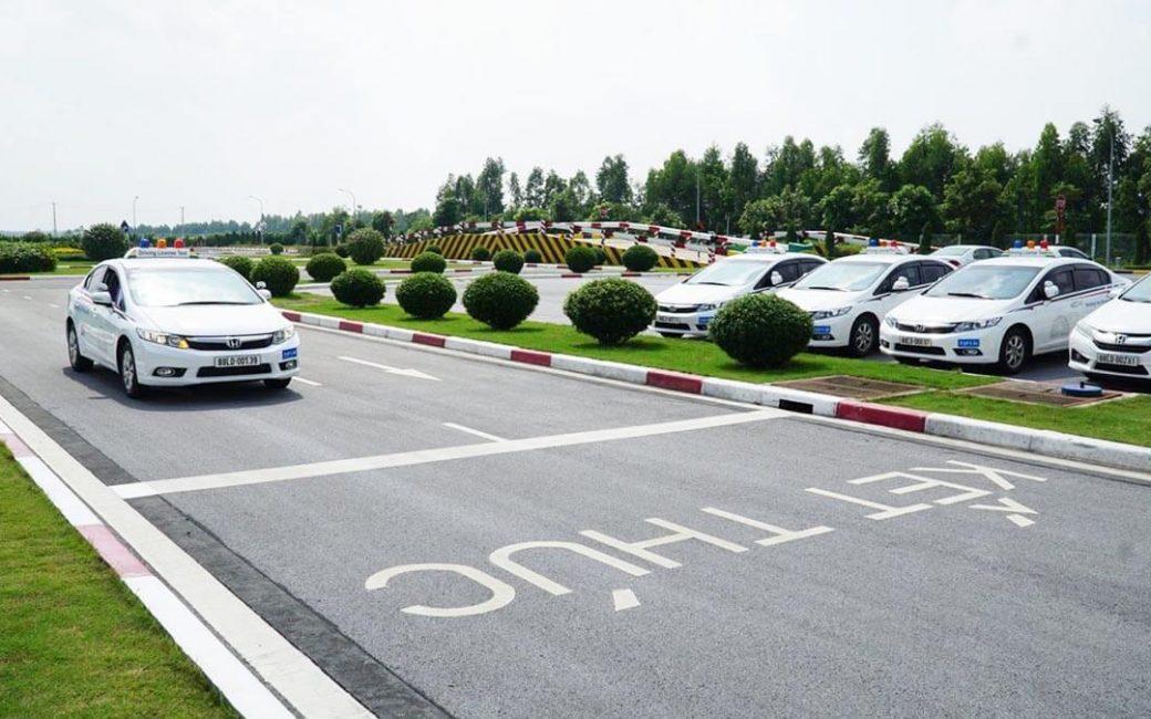 Hồ sơ thi bằng lái xe ô tô B2 gồm những gì?
